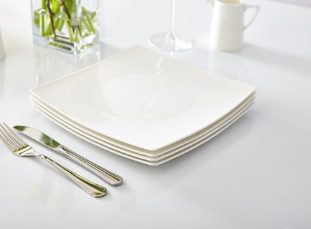 Linea Nova fine bone china square dinner plates S4