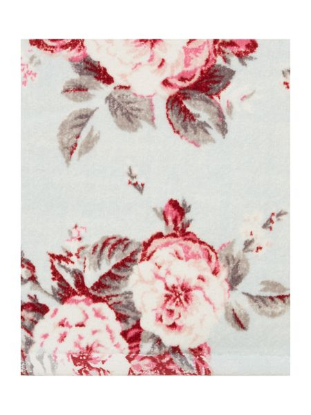 Shabby Chic Manor floral hand towel