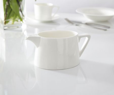 Linea Nova fine bone china gravy boat