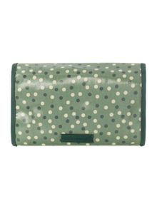 Wraparound washbag