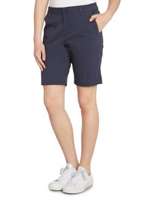 Cool chino shorts in a stretch cotton