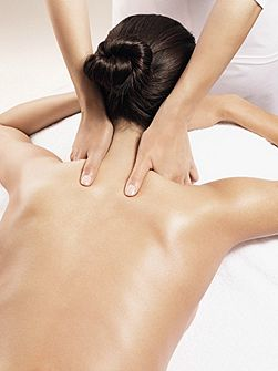 Clarins Hot Stone Massage With Relaxing Honey Massage