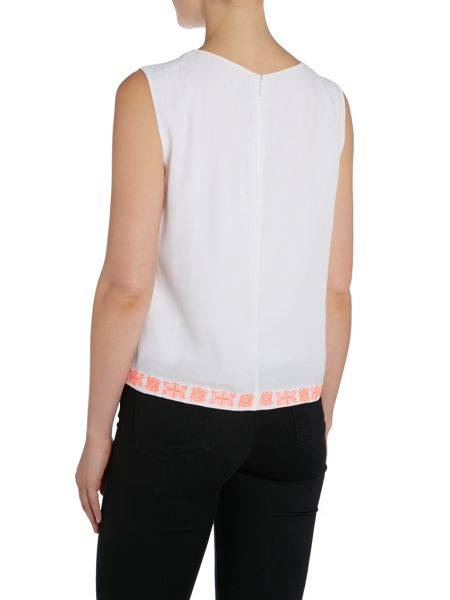 Vince Camuto Sleeveless embroidered top
