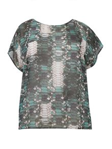 Plus size scale print waterfall back top