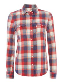 Modern western no yoke shirt in American Beauty