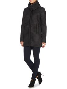 Long dot padded coat with detachable collar