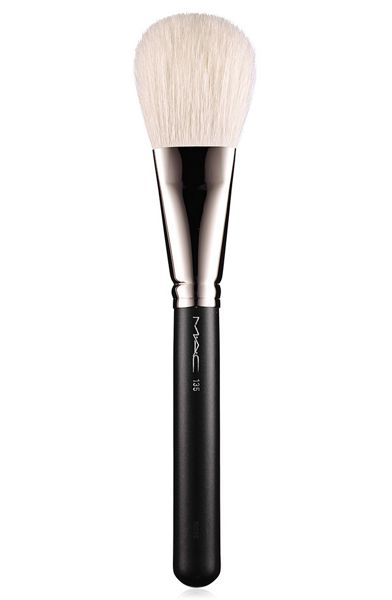 M·A·C 135 Large Flat Powder Brush