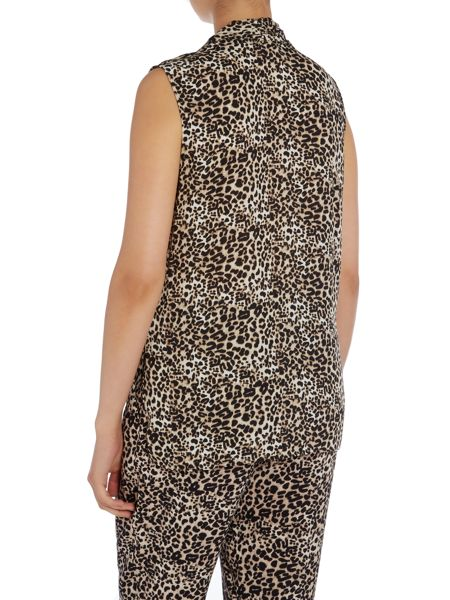 Vince Camuto Sleeveless leopard print top