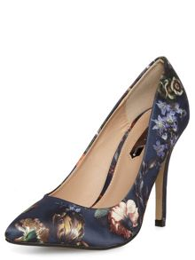 Floral print pointed court