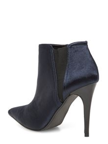 Pointed satin shoe boots