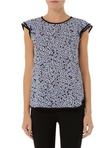 Piped Flutter Sleeve Top