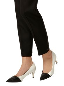 Pointed Court Shoes With Kitten Heel