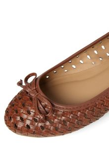 Woven Round Toe Pumps