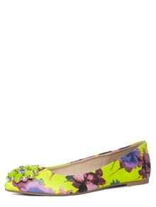 Floral Pointed Pumps