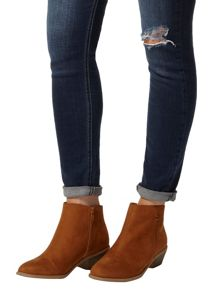 Belle` Western Boots