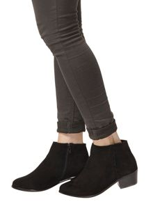Dorothy Perkins Wide Fit `Wrap` Boots