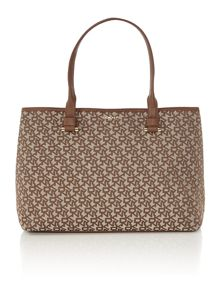 Neutral jacquard tote bag