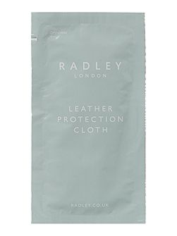 Leather protecion wipes