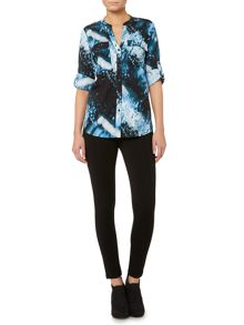 Abstract print blouse with 3/4 sleeve