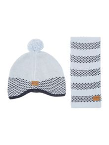 Baby boys set of hat and scarf
