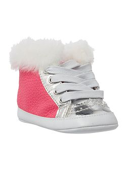 Baby girls trainers with faux fur