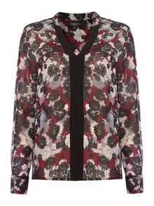Therapy Cluster Floral Blouse