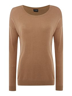 Long Sleeved Round Neck Knit Top