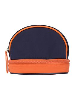 Domed washbag