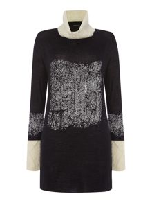 Square pullover long sleeve jumper