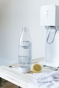 Source White Sparkling Water Maker