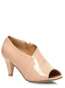 Extra Wide Nude Patent Low Cut Heel