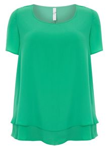 Plus Size Crepe Layer Top