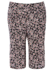 Plus Size Daisy Printed Crinkle Culottes