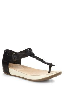 Extra Wide Black Weave Toe Post Sandal