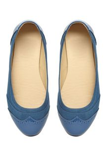Evans Extra Wide Fit Blue Brogue Detail Pump
