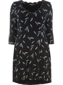 Plus Size Feather Print Tunic