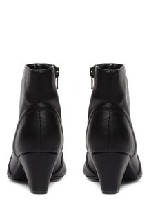 Evans Extra Wide Fit Block Heel Ankle Boot