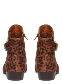 Evans Extra Wide Fit Leopard Pointed Boot