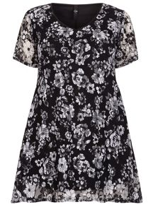 Plus Size Black Floral Lace Top
