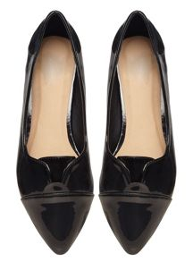 Evans Black Patent Pleated Point Pump