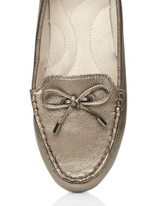 Extra wide fit pewter leather moccasin
