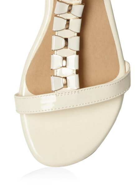 Evans Extra Wide Fit White Patent Bow Sandal
