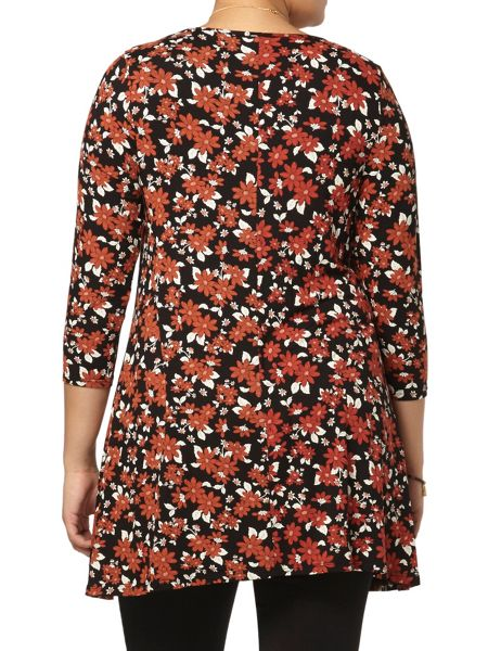 Evans Red and black floral top