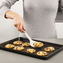 Elevate Silicone Cookie Turner Grey