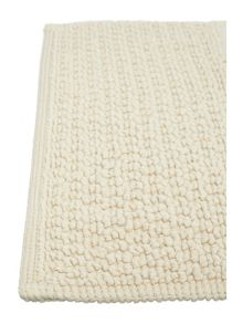 Linea Reversible Bobble Pedestal Mat in Wheat