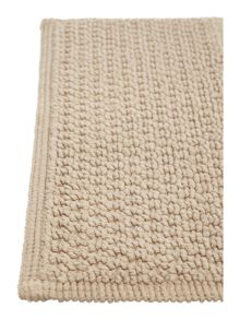 Linea Reversible Bobble Pedestal Mat in Mocha