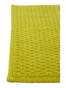 Linea Cotton bobble pedestal mat in lime