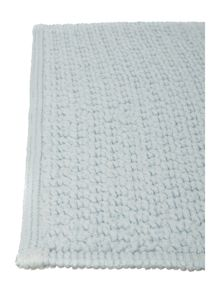 Linea Reversible Bobble Pedestal Mat in Sky Blue