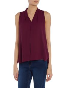 Vince Camuto V neck pleated blouse