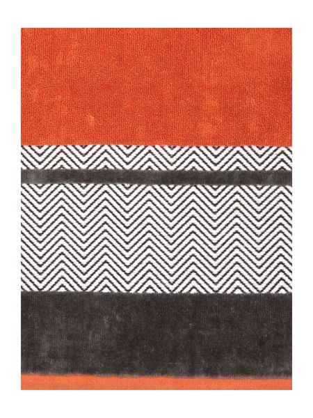 Living by Christiane Lemieux Zig zag border bath towel burnt orange